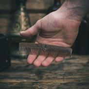 Bluebeards Liquid Wood grzebień do brody i wąsów